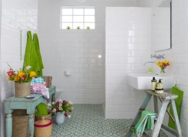 bright-bohemian-bathroom-designs-23-554x406