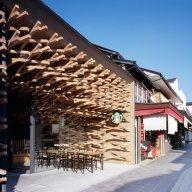 Dezeen_Starbucks-Coffee-at-Dazaifu-Dazaifu-Tenman-gū-by-Kengo-Kuma-and-Associates_9