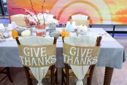 home-thanksgiving-table-decorations-today-1511120-02_c8d0fef4e2e3c7f42544a1c531b9126f.today-inline-large