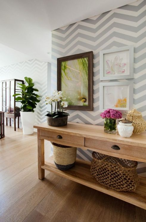 decorate-the-entryway-walls-with-chevron-patterns.jpg